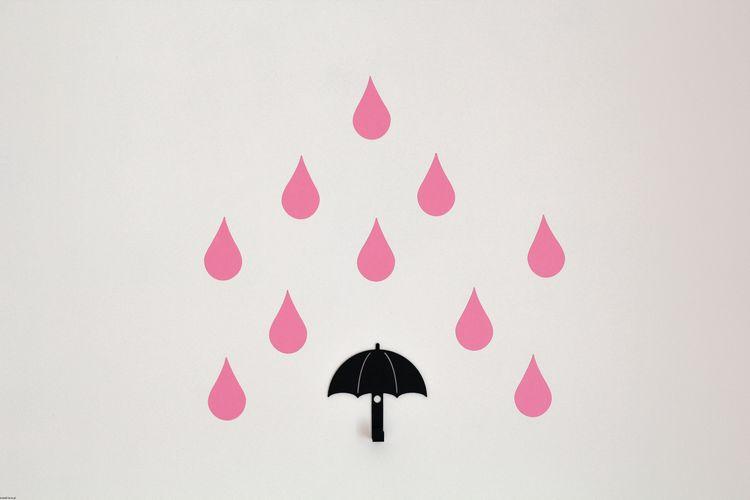 Svart vägghängare i metall till barnrummet, paraply