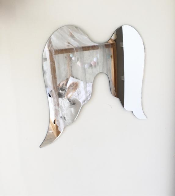 Spegel Änglavingar till barnrummet Änglavingar spegel till barnrummet