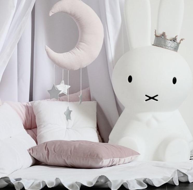 Sängmobil puderrosa måne med silverstjärnor, Cotton & Sweets