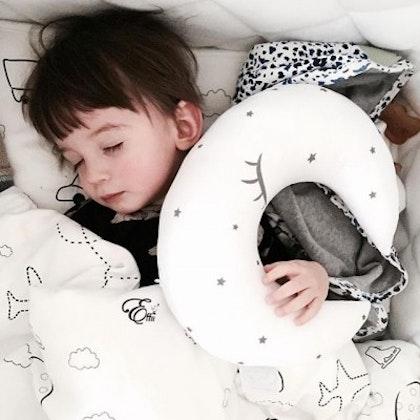 Kudde vit måne, Effii Children World