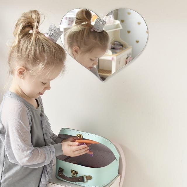 Hjärta Spegel, Barnspegel till barnrummet Hjärta Spegel, Barnspegel till barnrummet