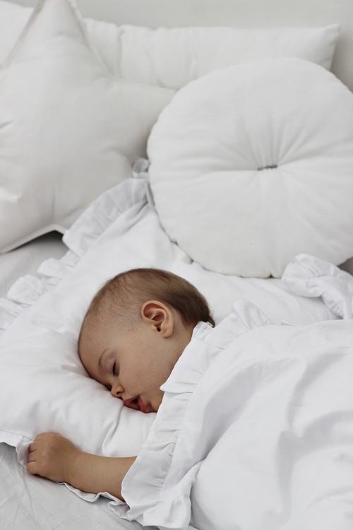 Vit newborn bäddset med kudde och täcke vagga,  Cotton & Sweets