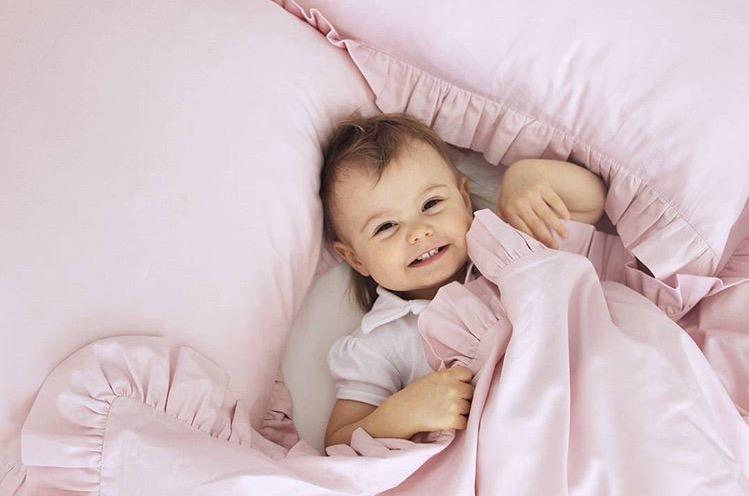 Puderrosa newborn bäddset med kudde och täcke ,  Cotton & Sweets