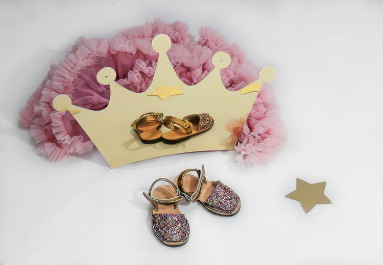 Spegel stor guld prinsesskrona till barnrummet Spegel stor guld prinsesskrona till barnrummet