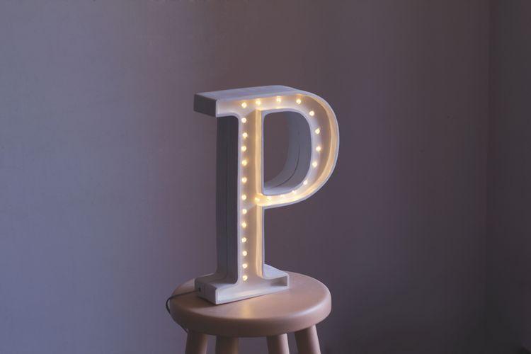 Nattlampa till barnrummet bokstav P - lampa, Little Lights