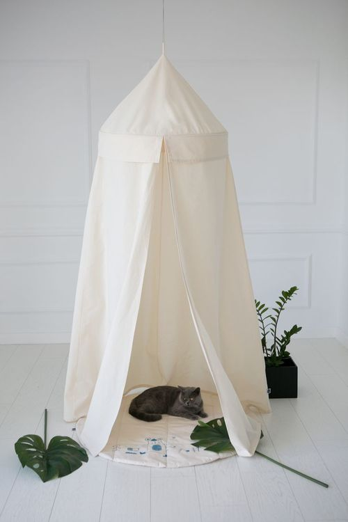 Beige sänghimmel med ljusslinga  - Little nomad