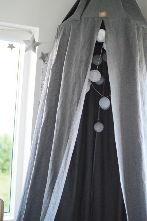 Ljusgrå sänghimmel till barnrum från NG Baby Mood med ljusslinga Ljusgrå sänghimmel till barnrum från NG Baby Mood