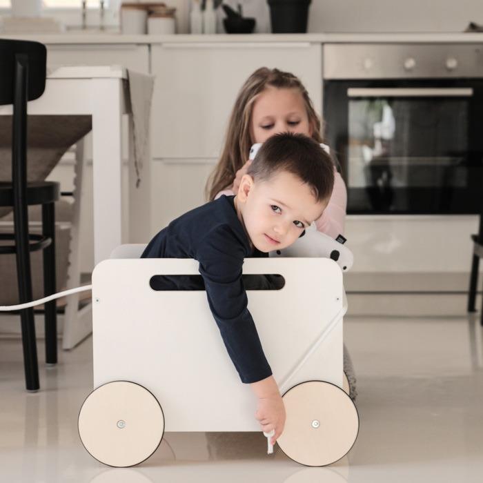 Leksaksförvaring på hjul, Ooh noo