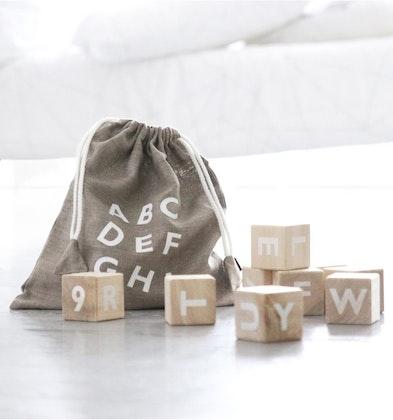 Träklossar alfabet – vit, Ooh noo