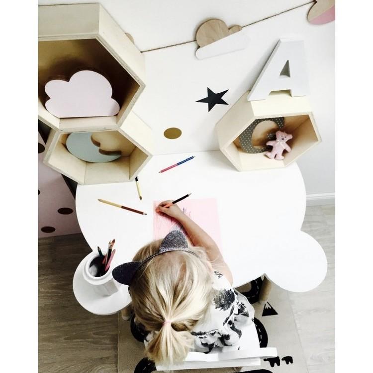 Bord vit björn, bord till barnrummet