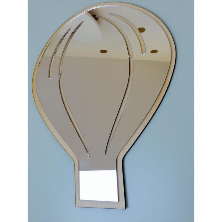Luftballong spegel till barnrummet En spegel luftballong till barnrummet