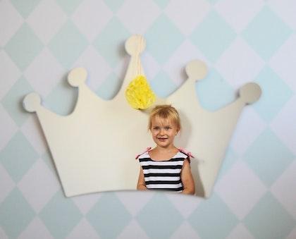 Spegel till barnrummet stor silver prinsesskrona