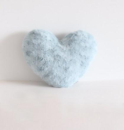 Kudde, lyxigt ljusblå plyschhjärta, Fayne