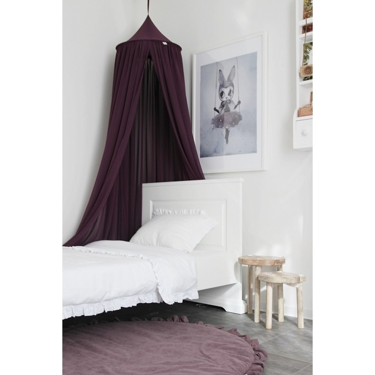 Lila sänghimmel till barnrummet med ljusslinga , Cotton & Sweets