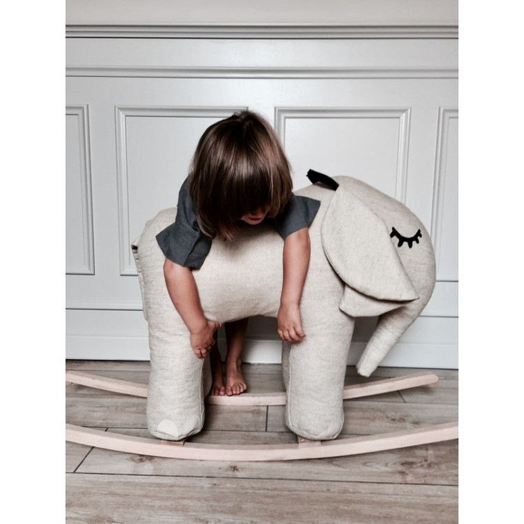 Gunghäst, Liten Elefant