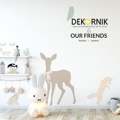 Stort väggklistermärke till barnrummet, our friends animals, Dekornik