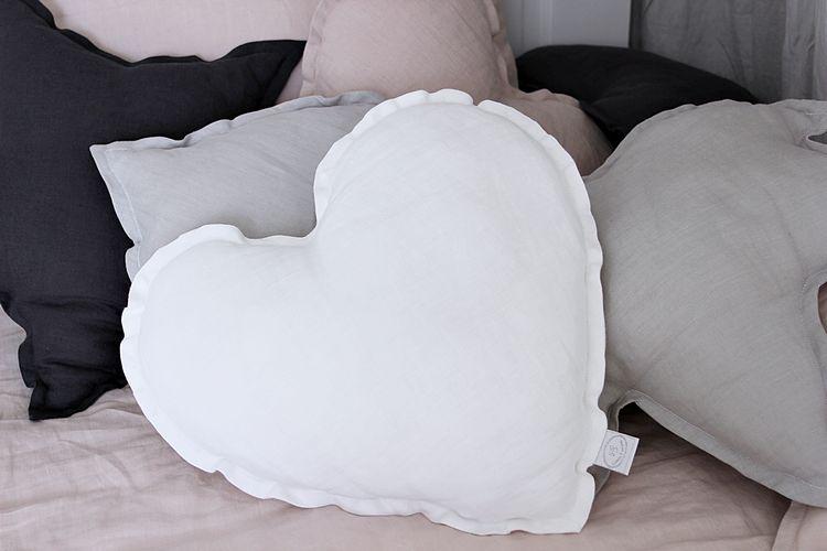 Kudde vit hjärta av linne, Cotton&Sweets