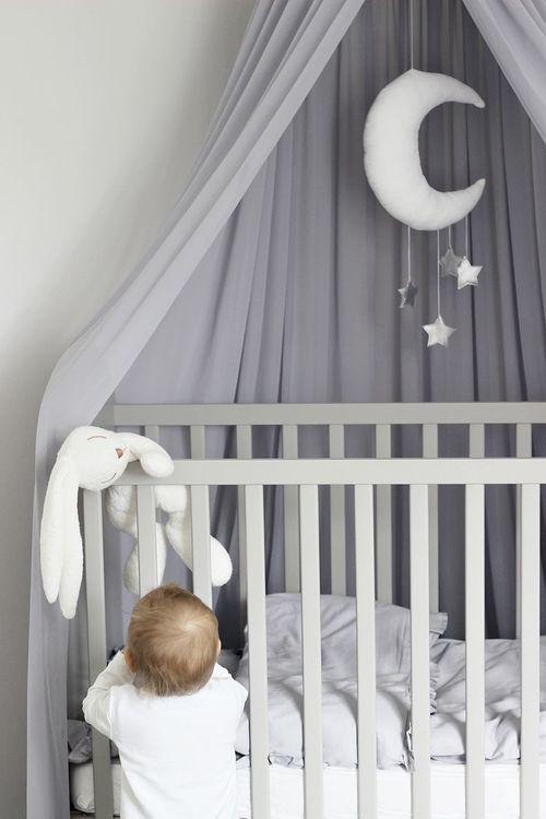 Grå sänghimmel till barnrummet med ljusslinga , Cotton & Sweets