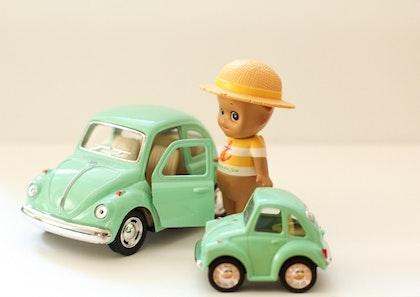 Leksaksbil stor Volkswagen pastell beetle mint