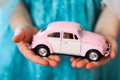 Leksaksbil stor Volkswagen pastell classic rosa