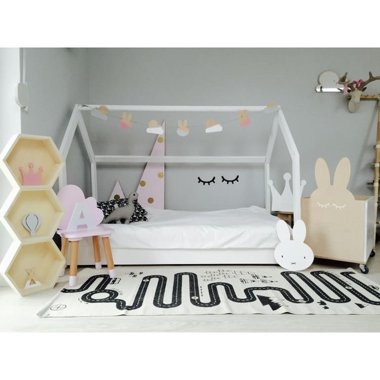 Vit hussäng till barnrummet 90x200