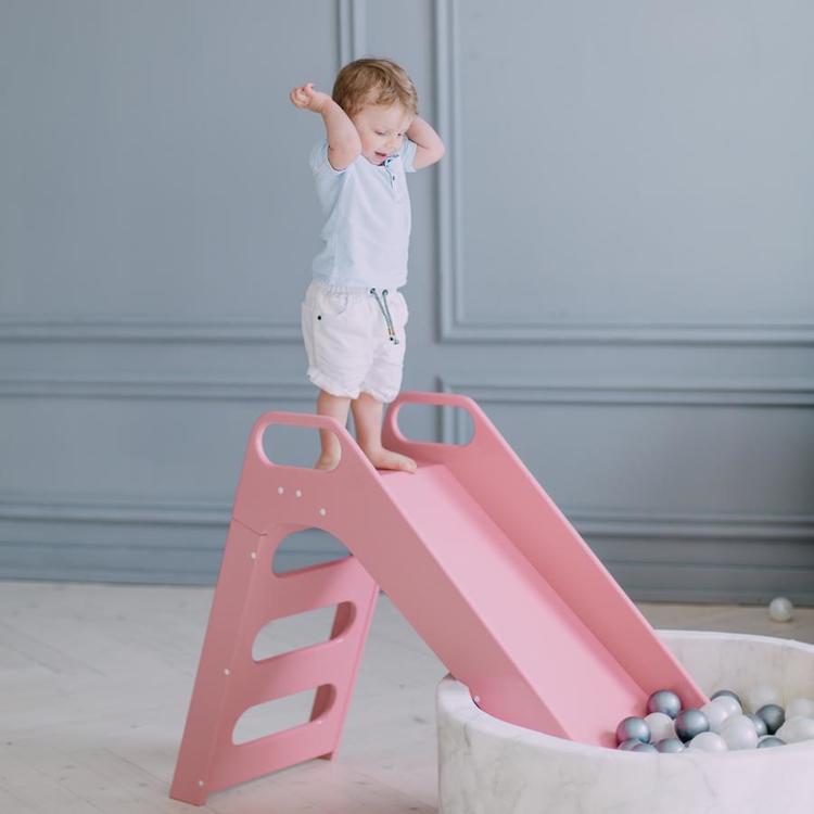 Misioo, rosa rutschkana till barnrummet rosa rutschkana av trä