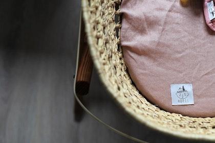 Dra-på-lakan vagn/vagga av linne, rosa