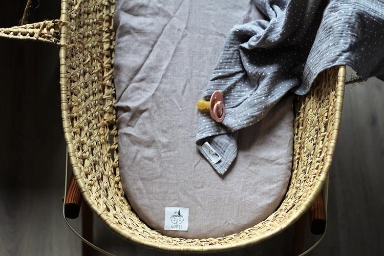Dra-på-lakan vagn/vagga av linne, grå