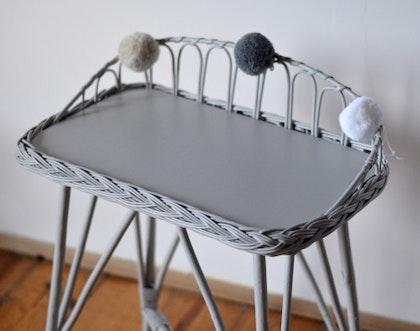Lilu, skrivbord i rotting till barnrummet, grå