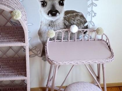 Lilu, skrivbord i rotting till barnrummet, dusty pink