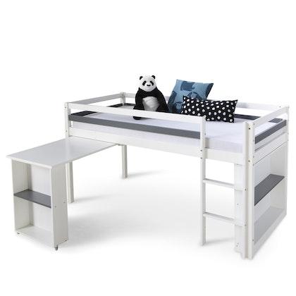 Vit loftsäng till barnrummet med flyttbart skrivbord