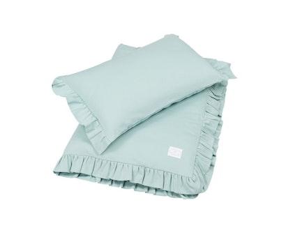 Grön bäddset spjälsäng med kudde och täcke med volang, Cotton & Sweets