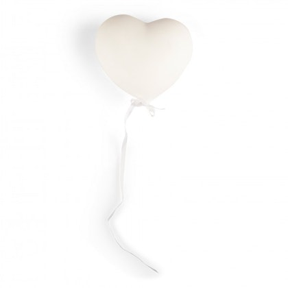 Form Living, väggdekoration vit ballonghjärta