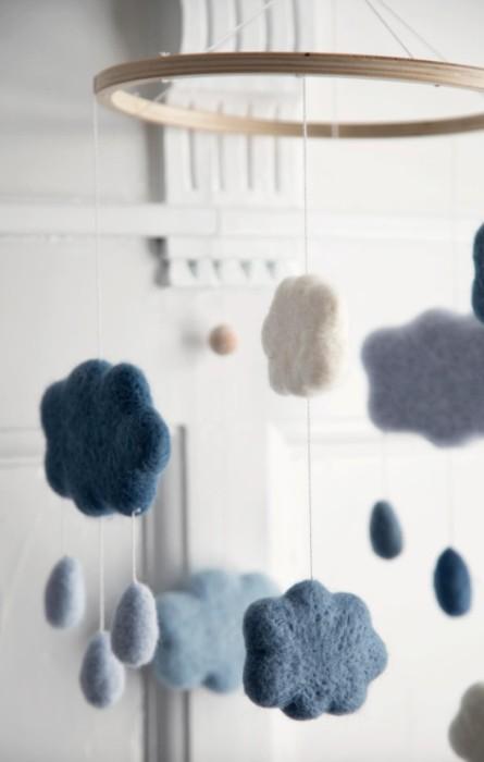 Sebra sängmobil blå moln