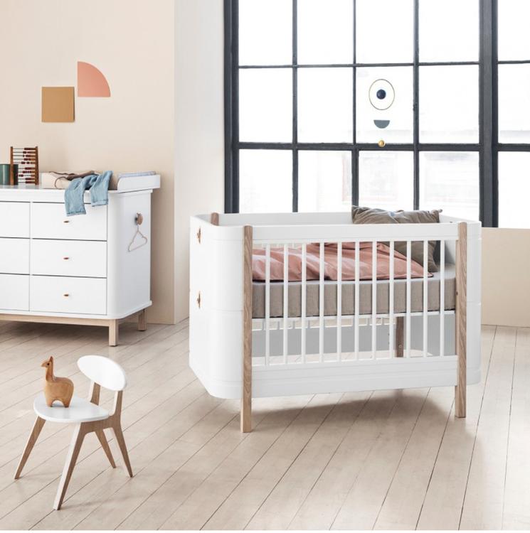 Oliver Furniture, spjälsäng/växasäng mini+, Vit/Ek