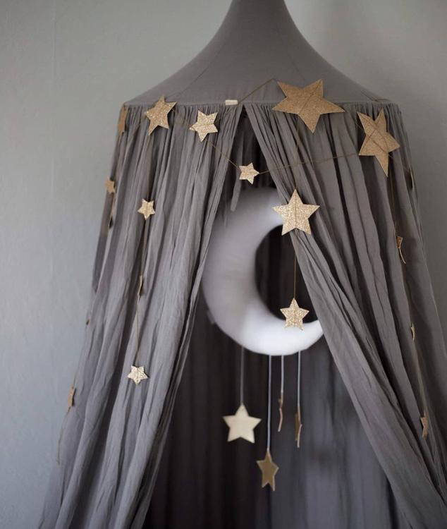 Sängmobil vit måne med guld stjärnor, Cotton & Sweets