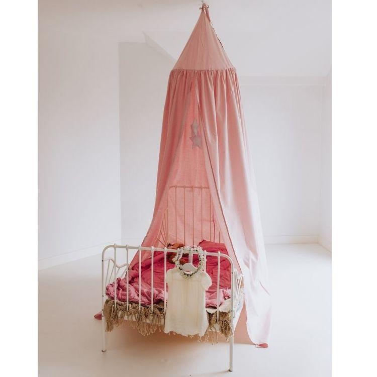 Babylove, Puderrosa sänghimmel med ljusslinga