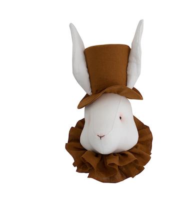 Väggdekoration kanin med senapsgul hatt