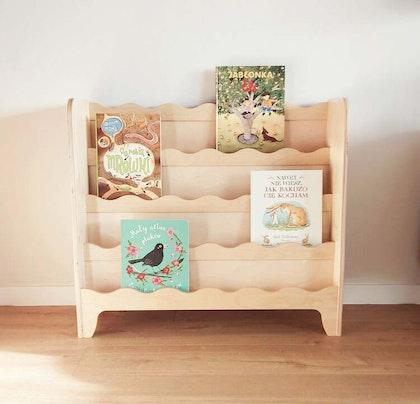 Natur golvbokhylla till barnrummet