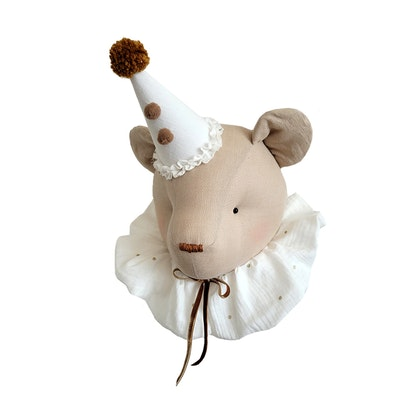 Väggdekoration beige björn med cream krage, djurhuvud i linne