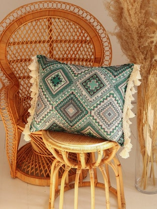 Moi Mili, kudde med fransar, Sea green mosaic
