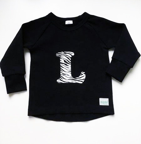 Bokstavströja, t-shirt med vinyltryck i zebra