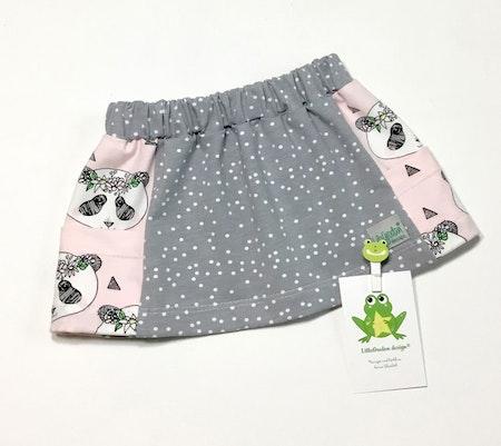 Kjol Vera med fickor - tyger Dotty, Grå och Panda Krans, rosa