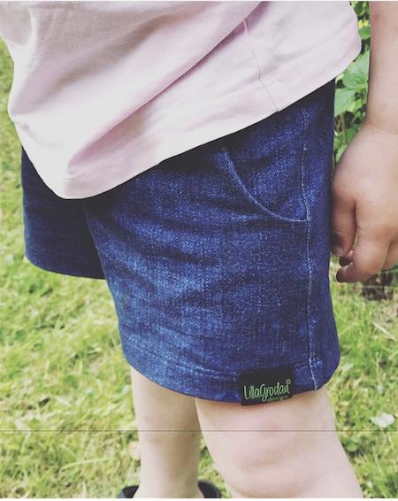 Shorts m dolda fickor, korta ben, strl 110 - Denimlook, collegetrikå