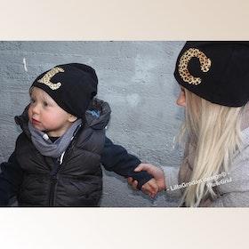 Bokstavsmössa, Djurmönstrad vinyl - Eget tygval