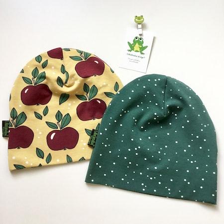mössa - Äpplen Guld/Vin, #569, ekologisk trikå/Gots och Dotty Spots, Grön