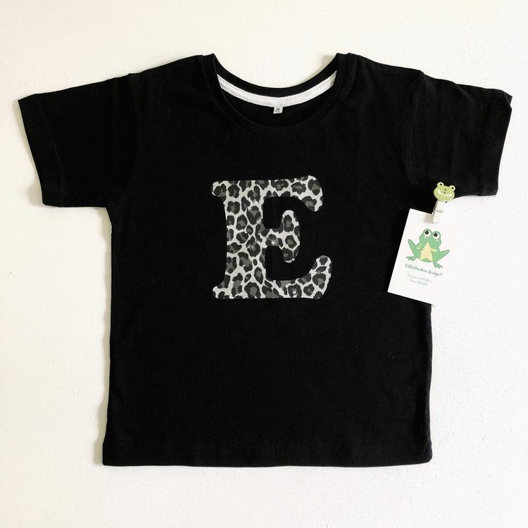 T-shirt med Bokstav