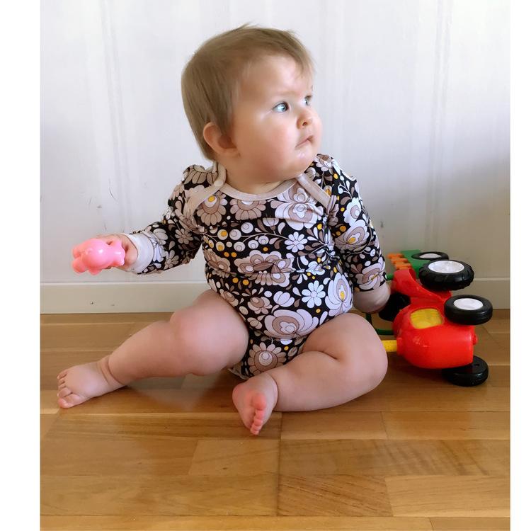 Body/Tröja till baby, kuvertringning - Eget tygval
