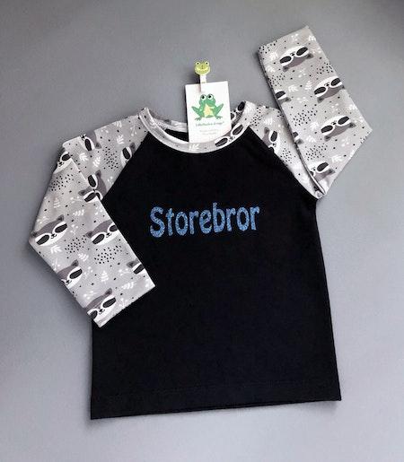 Tshirt Svart med ärmar i tyg Tvättbjörnar, vinyltryck blått glitter
