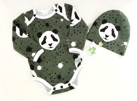 Body - Splat! Panda, Olivgrön #504. Passar perfekt med Ränder Diagonal